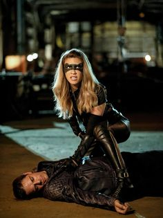 """Arrow -- """"Tribute"""" -- Image -- Pictured: Juliana Harkavy as Dinah Drake/Black Canary - Arrow Black Canary, White Canary, Supergirl 2015, Supergirl And Flash, Arrow Season 6, Dinah Drake, Black Siren, Arrow Cw, Cw Dc"""