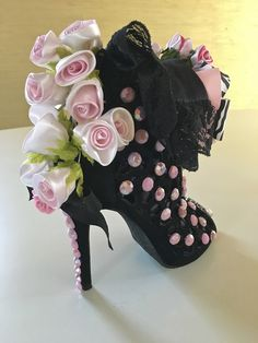 IMG_8974 | Muses shoes 2018 | Steve Sweet | Flickr Bling Shoes, Fancy Shoes, Glitter Shoes, Crazy Shoes, Glitter Bomb, Glitter Wine, Party Centerpieces, Floral Centerpieces, Muses Shoes
