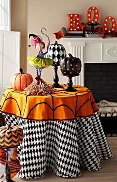 Take your party table to the next dimension with a vivid and versatile black-and-white Harlequin Faux Dupioni Tablecloth.