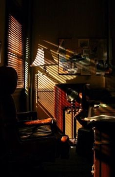 looking out a film noir detective window Cinematic Photography, Film Photography, Detective Aesthetic, Detective Agency, Light And Shadow, Cinematography, Ramen, Windows, Lighting