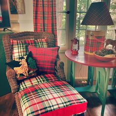 Love the plaid cooler lamp! Around the cottage at Lake Arrowhead #plaid #tartanisalwaysagoodidea #lakesideliving #cabinfever 🛶❤️🌲🏕🛶❤️