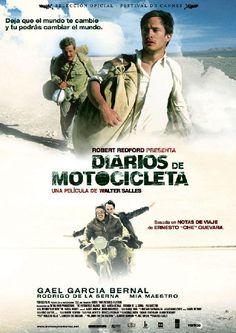 Diarios de motocicleta es una película biográfica basada en los diarios de viaje del Che Guevara y Alberto Granado, dirigida por Walter Salles y protagonizada por Gael García Bernal y Rodrigo de la Serna. https://es.wikipedia.org/wiki/Diarios_de_motocicleta_(pel%C3%ADcula) (fr=Carnets de voyage)