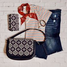 Grab your favorite jeans and a cute top from Target. Then, complete the look with a #studio31 purse and #perfectcentswallet by Thirty-One Gifts. #organizingwithkristen #4thofjuly #memorialday #patriotic #purse #wallet #thirtyonegifts