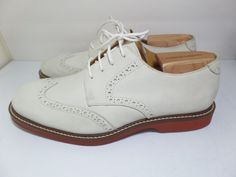 Johnson and Murphy, Men's White Seude Wingtips, Size 10M with Shoes Tree size M #JohnsonandMurphy #Oxfords