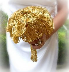 Alternative wedding bouguet Gold time  hairgrip and by wandadesign, €70.00