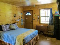 Little Tracks Cabins BLUE-fish Cabin, Holladay TN Cabins and Vacation Rentals   RentTennesseeCabins.com