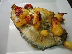 Filetto di rombo chiodato del nostro mare (Chioggia),con verdure e patate al forno. Buon appetito