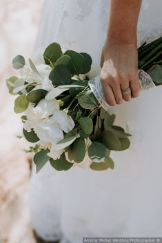 #ramo #weddingbouquet #ramodenovia #modanupcial #bouquetdenovia #bridal #diadeboda #bodascommx #bodasmexico #bouquet #roses #flowers #wedding #weddingday #natural #boda