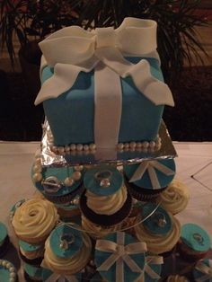 Tiffany Co. themed bridal shower cake and cupcakes.