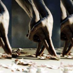 Y de pronto llega alguien que baile contigo aunque no le guste bailar y lo haga porque es contigo y nada más. Bailar oxigena la mente, el cuerpo, la sangre y la vida y cualquier momento es bueno para hacerlo.   FelizDomingo  #buenosdias #Domingo #reflexionesdeundomingo #Baulchic #domingosllenosdesentimiento #FilosofiaBaulchic #bauldelujo