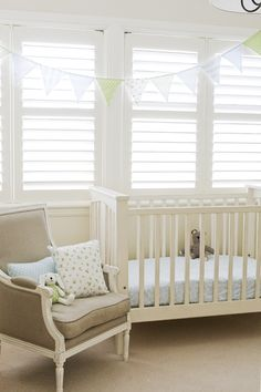 Maybe I could do something like that circus strand for a baby room.