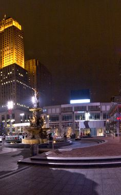 Fountain Square | Travel | Vacation Ideas | Road Trip | Places to Visit…