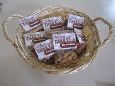 Great ideas for easy, personalized family reunion favors!