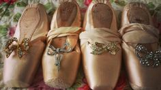 Bows on pointe..