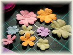 Make your own Prima flowers - tutorial  http://valitasfreshfolds.blogspot.com/2008/02/make-your-own-prima-flowers.html