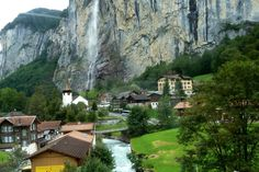 Wengen nach Lauterbrunnen; Staubbachfall-Blick T2014-08-16_1P 136 © http://www.fahidi.eu
