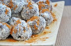 Loved the original biscuit salami recipe when you were little? This biscuit salami is sugar-free, and vegan! Paleo Dessert, Healthy Desserts, Salami Recipes, Milk Biscuits, Sugar Free Vegan, Dukan Diet, Sugar Free Desserts, Vegetarian Paleo