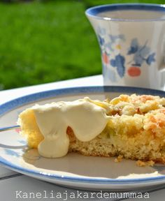 Murusen raparperipiirakka   Kanelia ja kardemummaa Pastry Cake, Jaba, Macaroni And Cheese, French Toast, Food And Drink, Cooking Recipes, Pudding, Pie, Vegan