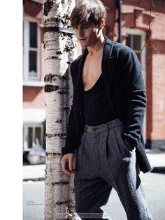 Oliver Cheshire por Mitchell Nguyen McCormack DAMAN Magazine Fall Winter 2016