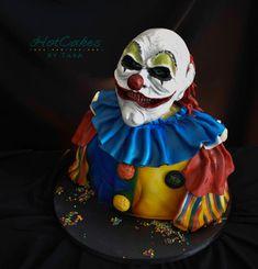 Mr Jingles - cake by HotCakes by Tara Halloween Clown, Creepy Clown, Halloween Cakes, Halloween Treats, Halloween Stuff, Goth Cakes, Clown Cake, Satin Ice Fondant, Cupcake Cookies
