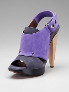 Marni sandal in purple/grey.
