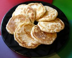 I've lived on the Seneca Nation of Indians Reservation now for over 35 years and used to always get this bread when I went to the annual pow wows. This is an authentic Seneca (A tribe of the Iroquois Federation) recipe and is good to eat either warm or co American Dishes, American Food, Native American Recipes, Bread Recipes, Cooking Recipes, Native Foods, Good Food, Yummy Food, Bread Baking
