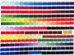 Puedes elegir entre toda esta variedad de colores y diseñar tus propias camisetas para que sean únicas