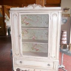 DIY Idee Its done in Annie SLoan Old White~and vintage wallpaper interior china cabinet How T Paint Furniture, Home Decor Furniture, Shabby Chic Furniture, Shabby Chic Decor, Furniture Projects, Furniture Makeover, Antique Furniture, Space Furniture, Antique China Cabinets