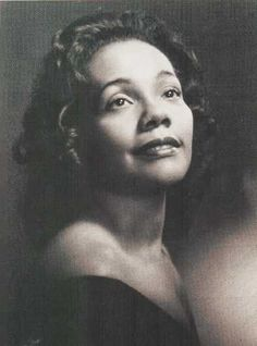 Coretta Scott King was not only the wife of Martin Luther King Jr. but also an American activist,author, and civil rights leader. She helped in the African American Civil Rights Movement in the Coretta Scott King, Martin Luther King, Women In History, Black History, Black Art, Vintage Black Glamour, Vintage Beauty, Portraits, My Black Is Beautiful