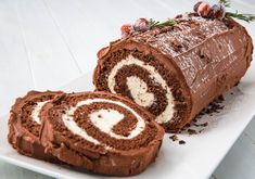 Best Bûche de Noël Recipe - How To Make Yule Log Cake The Bûche de Noël cake is a French Christmas tradition that dates back to the century. Get in the holiday spirit with this show-stopping yule log cake recipe. Holiday Cakes, Christmas Desserts, Christmas Baking, French Christmas, Christmas Cakes, Christmas Ideas, Holiday Baking, Christmas Eve, Holiday Ideas