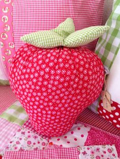 strawberries - pattern Tilda