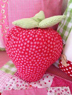 strawberries - pattern Tilda