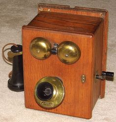Vintage Oak Wall Crank Telephone, Mouthpiece Marked Property Of American Telephone & Telegraph. Vintage Telephone, Oak Cabinets, Vintage Walls, Liquor Cabinet, Antiques, Classic, Phones, How To Make, Usa