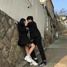 Ulzzang couples uploaded by 🌈 Lala_Lisa🌈 on We Heart It Mode Ulzzang, Ulzzang Korea, Ulzzang Girl, Couple Goals, Cute Couples Goals, Cute Korean, Korean Girl, Korean Best Friends, Mode Kawaii