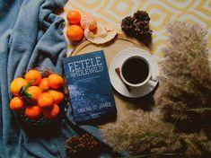 """31 aprecieri, 15 comentarii - Georgeana G. Aciobăniței (@aciobaniteigeorgeana) pe Instagram: """"""""Inteligentă și înspăimântător de captivantă."""" — Fiona Barton — Barrons, Vermont Noiembrie 1950…"""" Noiembrie, Vermont, Fruit, Instagram, Food, Hoods, Meals"""