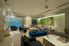 An Art-Filled Contemporary Executive Apartment in Mumbai by ZZ Architects