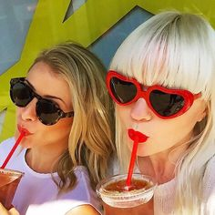 Sipping up the last of summer  @nycfiona @lobosworth. shop the link in bio #indiansummer #twinning #crstory #cynthiarowley