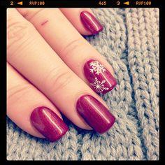 nail-design-winter-weihnachten-rot-gel-schneeflocken.jpg 612×612 pixels