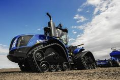 Find out more about the New Holland Series – Tier Tractors & Telehandlers range: browse the gallery, check out the technical specifications or find a dealer. Old Ford Trucks, Lifted Chevy Trucks, Big Trucks, Pickup Trucks, New Holland Ford, New Holland Tractor, Big Tractors, Case Tractors, Farm Humor