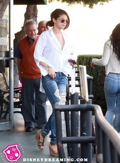Source reveals why Selena Gomez went to rehab! -- Don't care, I just like this outfit!