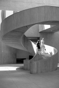 Concrete spiral stairs - Everson Museum of Art, Syracuse, New York, 1968 by I. Grand Staircase, Spiral Staircase, Staircase Design, Staircase Ideas, Stairs Architecture, Architecture Details, Bauhaus Architecture, Everson Museum, Stair Steps