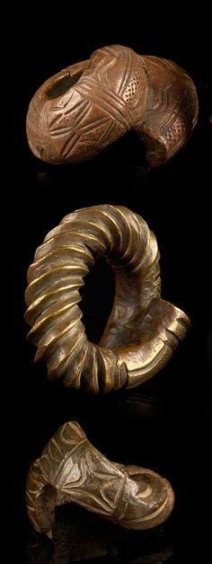 West Africa | 3 manillas; brass alloy | Est. 100 - 600€ ~ (Sept '14)