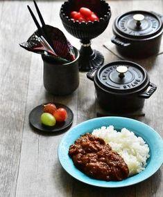 レシピ教えて♡と言われる我が家の牛すじカレー by MARI's 「写真がきれい」×「つくりやすい」×「美味しい」お料理と出会えるレシピサイト「Nadia   ナディア」プロの料理を無料で検索。実用的な節約簡単レシピからおもてなしレシピまで。有名レシピブロガーの料理動画も満載!お気に入りのレシピが保存できるSNS。