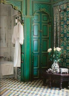 green blue Indian Moroccan tiles and carved wood bathroom. I'm having a hard time finding pretty bathroom inspiration using green. In the Feng Shui world, green is considered a preferred color to use for bathrooms. - Dream Homes Moroccan Bathroom, Moroccan Tiles, Moroccan Decor, Moroccan Curtains, Bohemian Bathroom, Moroccan Design, Moroccan Colors, Indian Bathroom, Moroccan Lanterns