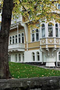 Historical architecture, wooden houses, Estonia ♡ #VisitEstonia #ColourfulEstonia