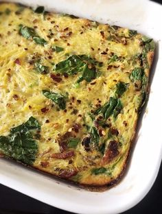Egg & Spaghetti Squash Bake {Paleo, Whole 30 This Egg & Spaghetti Squash Bake {Paleo, Whole is a great prep ahead meal to have on hand for the week! It's simple to make & family approved! Whole 30 Spaghetti Squash, Spaghetti Squash Lasagna, Cooking Spaghetti, Spaghetti Squash Recipes, Zucchini Spaghetti, Paleo Whole 30, How To Eat Paleo, Paleo Breakfast, Brunch Recipes