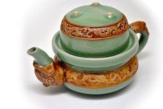 Právě nám dorazilo spoustu krásného čajového příslušenství. Pro náš eshop jsme stihli zachránit také několik kousků, které nově najdete v naší nabídce Tea Parties, Tea Sets, Tea Time, Pots, Collection, Cookware, Jars, Flower Planters