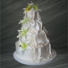 29 Amazing Waterfall Wedding Cakes Ideas #Weddingcakes