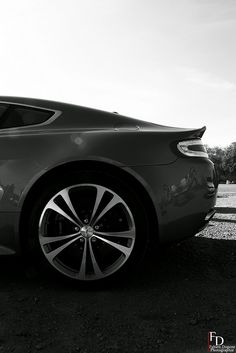 Aston Martin V12 Vantage Aston Martin V12 Vantage, Aston Martin Vanquish, My Dream Car, Dream Cars, Super Pictures, Old School Cars, Car Goals, Expensive Cars, Fast Cars