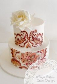 Hand painted and gold highlighted piping on the Moroccan Motifs cake by Faye Cahill. I would love a whole 6 tier cake done in this style! Beautiful Wedding Cakes, Gorgeous Cakes, Pretty Cakes, Cute Cakes, Amazing Cakes, Foto Pastel, Patterned Cake, Hand Painted Cakes, Wedding Cake Inspiration
